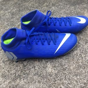 Nike Blue Soccer Cleats Size 8